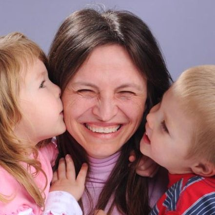 mom-with-two-kids_jlzsbx 2
